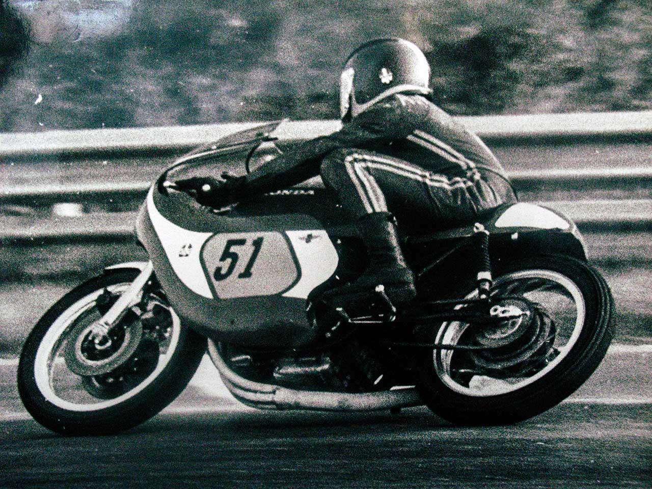 Paton_Storia-Anni70_Adriano-Friggione-su-Honda-Paton-500-nei-primi-anni-70