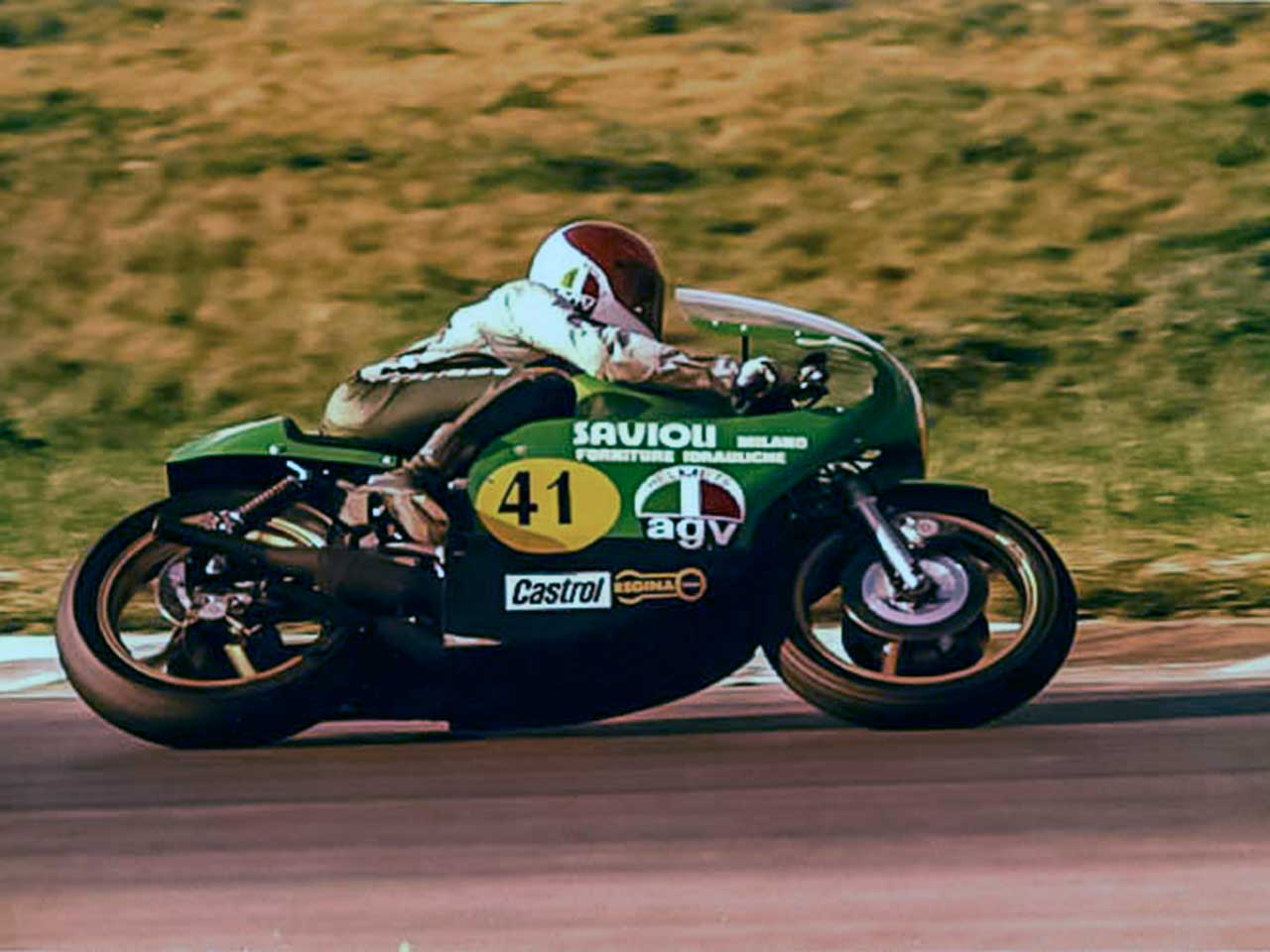Paton_Storia-Anni70_Pieraldo-Cipriani-Paton-Segoni-500cc-2T-1977